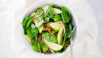 healthy-af_s3e85_autumn-spinach-pecan-salad_landscapethumbnail_en